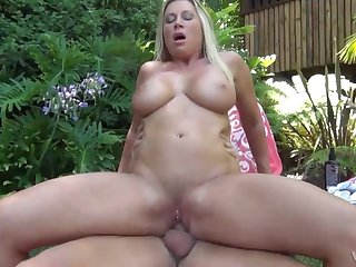 Sexy blonde Devon Lee with massve tits fucked take the outdoors