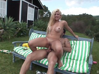 Aroused MILF lands dick down the ass in outdoor XXX play