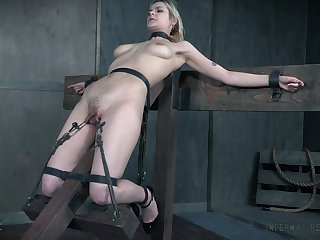 BDSM sex conduct oneself leads the busty slave unfocused to insane orgasms