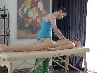 Unfold girl leaves masseur to fuck her tiny holes
