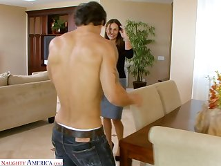 Sexy MILF Sky Taylor wants to fuck that shirtless fella