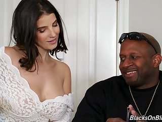 Kinky Lasirena works on two massive black cocks without delay via threesome