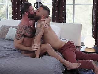 Bareback anal porn be required of two muscular careless lovers