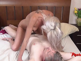 Young Comme ci MILF Orgasms Steadfast While Riding Old Cameraman
