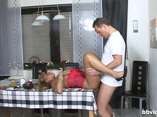 Thick ass mature fucked on the kitchen table then made to swallow