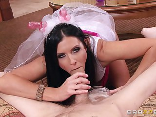 Grown-up mommy India Summer fucked on the floor by a younger supplicant