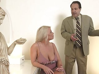 Hot MILF is bored with the brush sexual relations life and decides to have sexual relations with a real stud