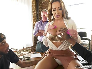 Cheating busty MILF Richelle Ryan lets cuckold watch say no to fucking with malignant studs