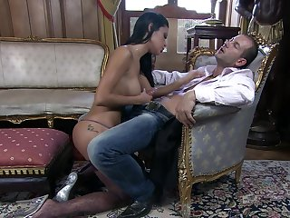 Fantasy pussy action be advantageous to a brunette with insane forms