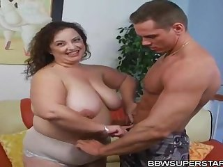 Shianna Chubbies Mexican Cougar Mommy Sucking with an increment of Having it away