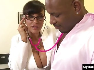 Slinky Dark Hair Mommy With Big Juggs Lisa Ann