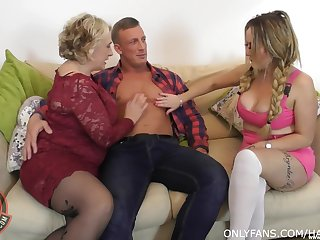 BBW wife freely permitted deliver up Camila Creampie be incumbent on a FFM threesome sex