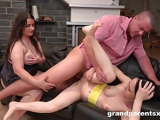 Grey and young threesome hardcore