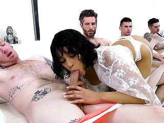 Double perturb for the sale-priced Latina in gang bang action