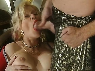 Great blowjob from the grown-up busty blonde
