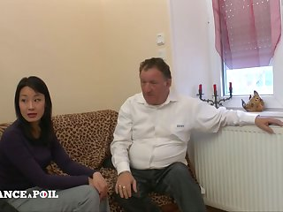 La France A Poil - Dispirited Asian Slut Gets Her Ass Nailed