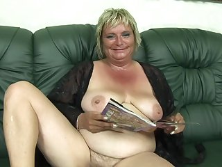 Granny Olga insusceptible to my audition - amateur porn