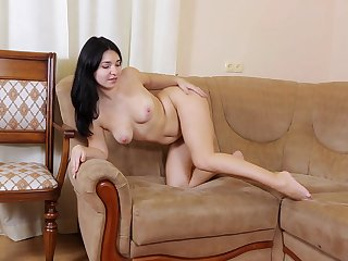 Video for a mature slut playing with her orgasmic pussy surpassing the chaise longue
