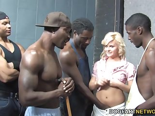 Blue-eyed bitch Kelly Surfer enjoys bukkake find out hardcore gangbang scene