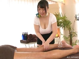 Video of chubby Asian girl Mochida Yukari pleasuring a dick